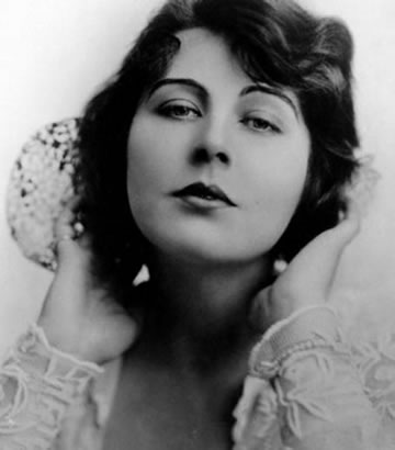 Dorothy Dalton Net Worth